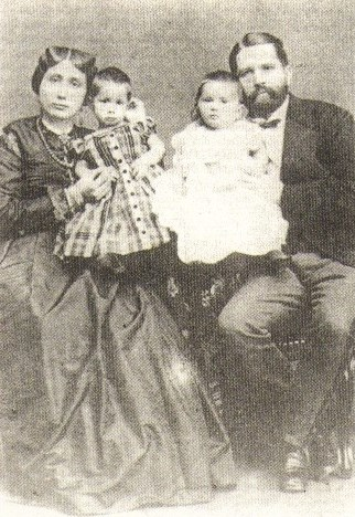 Family portrait with husband Rudolph-Heinrich Ruete and their first two children, Antonia Thawke Ruete and Rudolph-Said Ruete. Image from  Wikipedia .