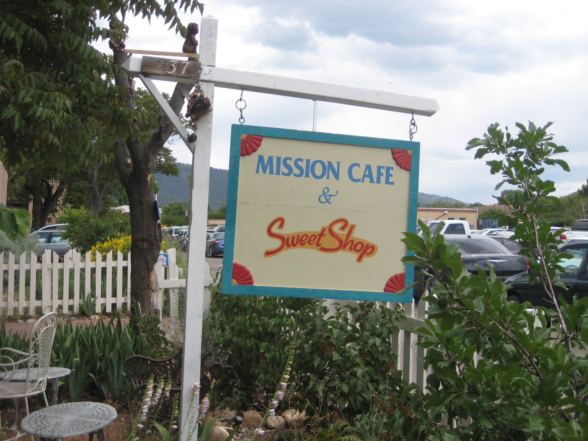 mission cafe and sweet shop