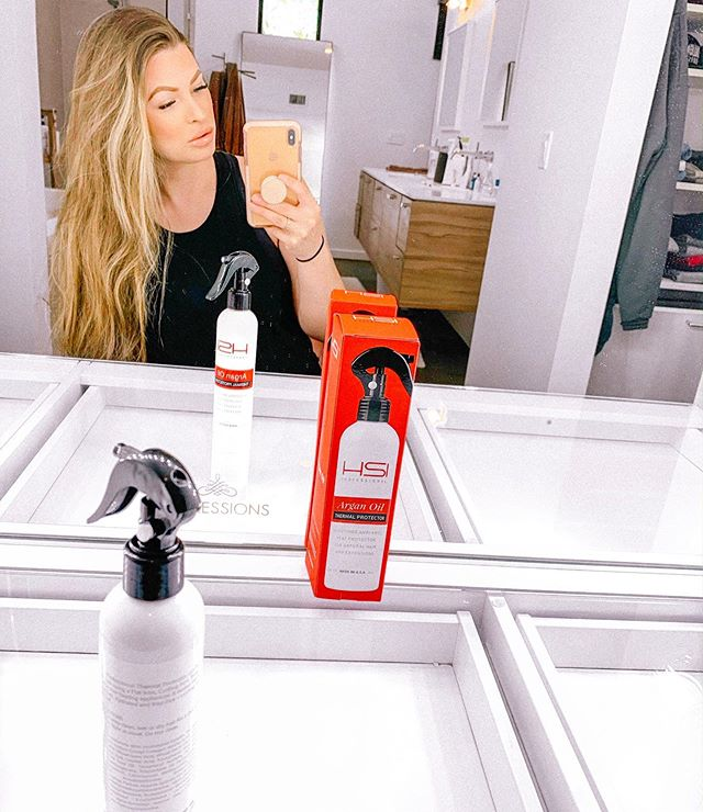Tag someone to enter to win this! My hair has been dry from this AZ heat, but thanks to @hsiprofessional I have my Argan Oil Thermal Protector when adding additional heat to my hair! I always hate curling and blow drying my hair when it's already damaged from the 120 weather 😭 NOT anymore! Who wants an Argan Oil Giveaway?!? #hsiprofessionalgiveaway 💰
