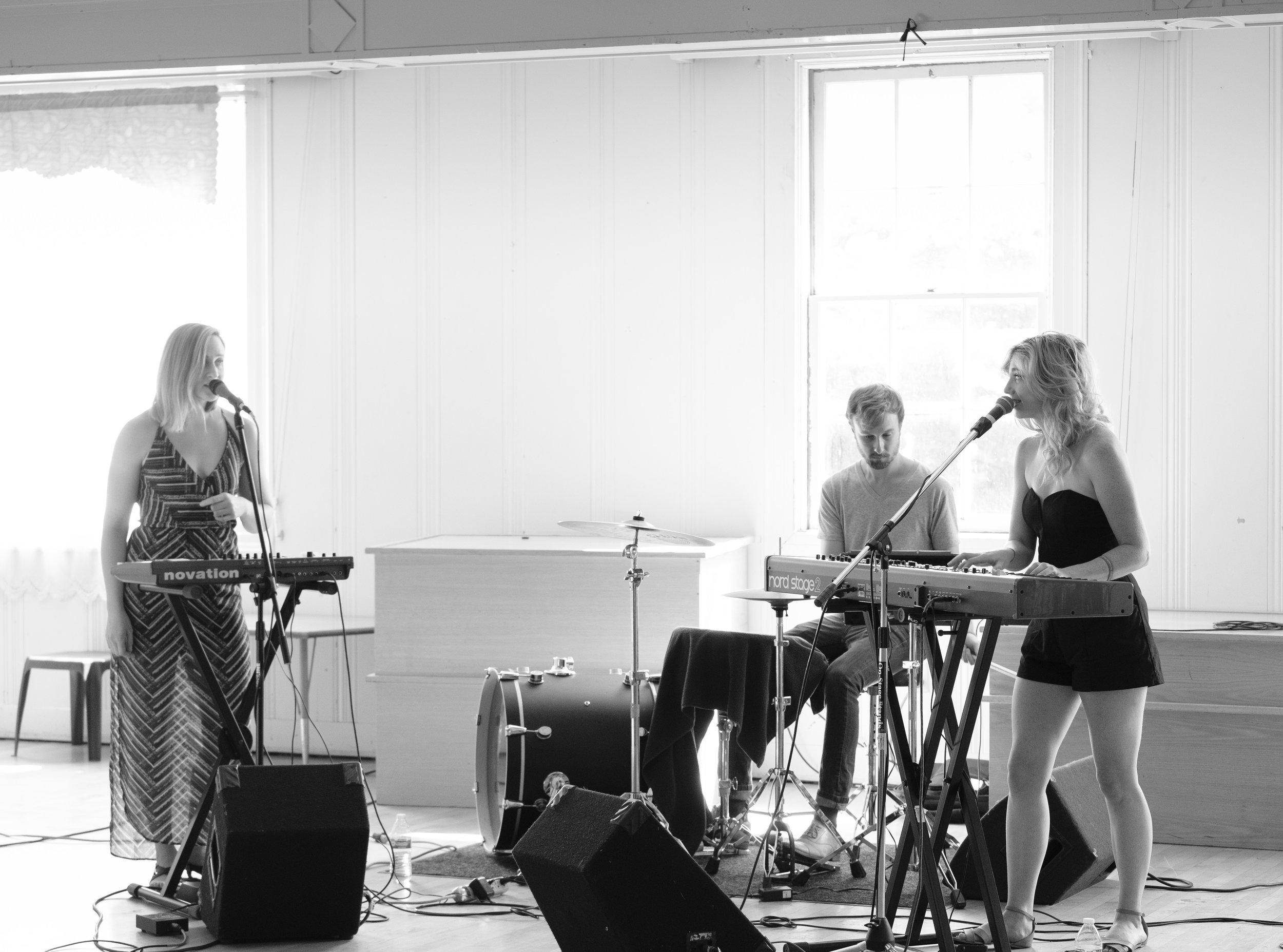 Datenite, Fellowship Hall, Seattle Acoustic Festival, August 2017.