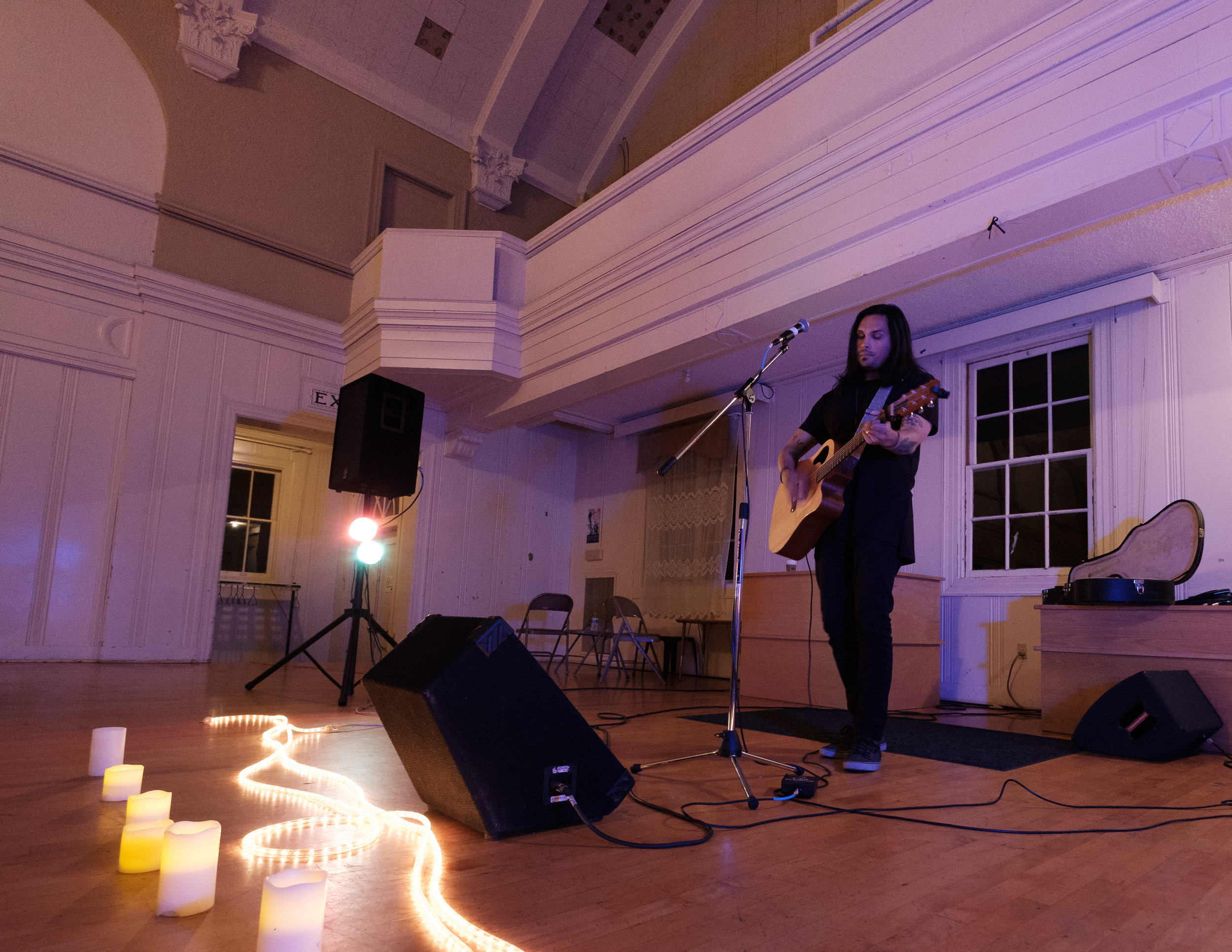 Arthur James, Fellowship Hall, Seattle Acoustic Festival, 26 August 2017. (If you live in the PNW, check out his schedule and get to a show. You won't regret it.)