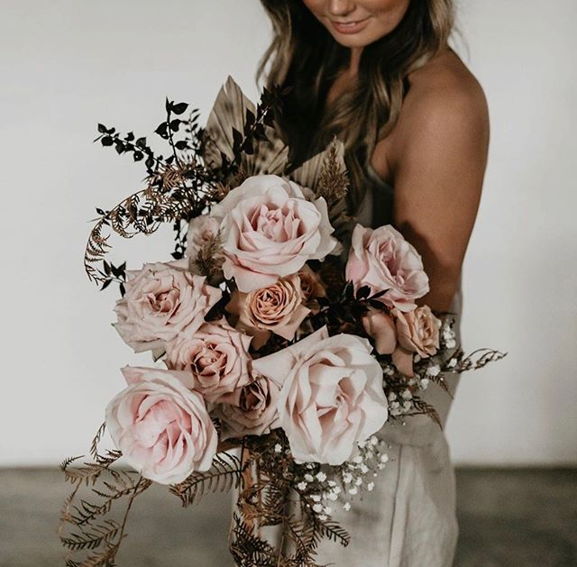 @saranti_flowers giving us all the beautiful inspiration 💕👏🏻 check them out, you will be amazed x x