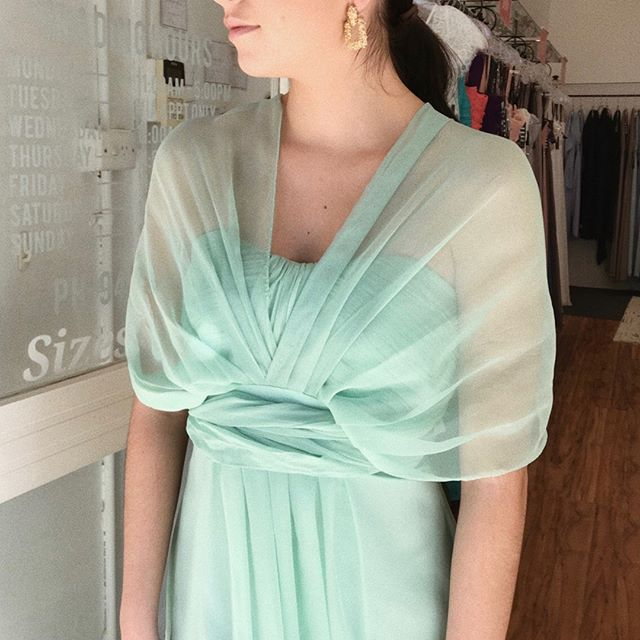 Mint chiffon multi-way ~ hello! ✨ a lovely way of tying this beauty for your bridesmaids or mother of a bride 😍