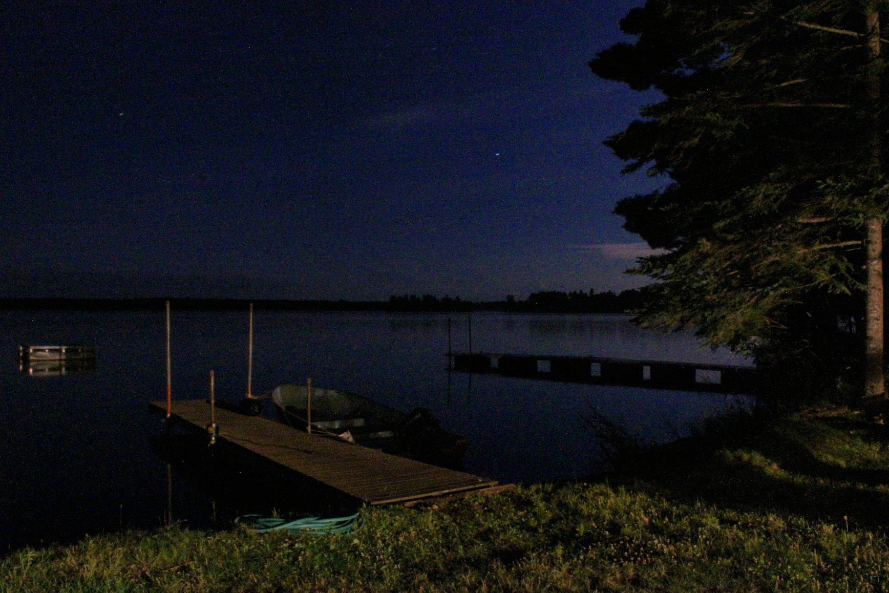 another night shot from the cabin