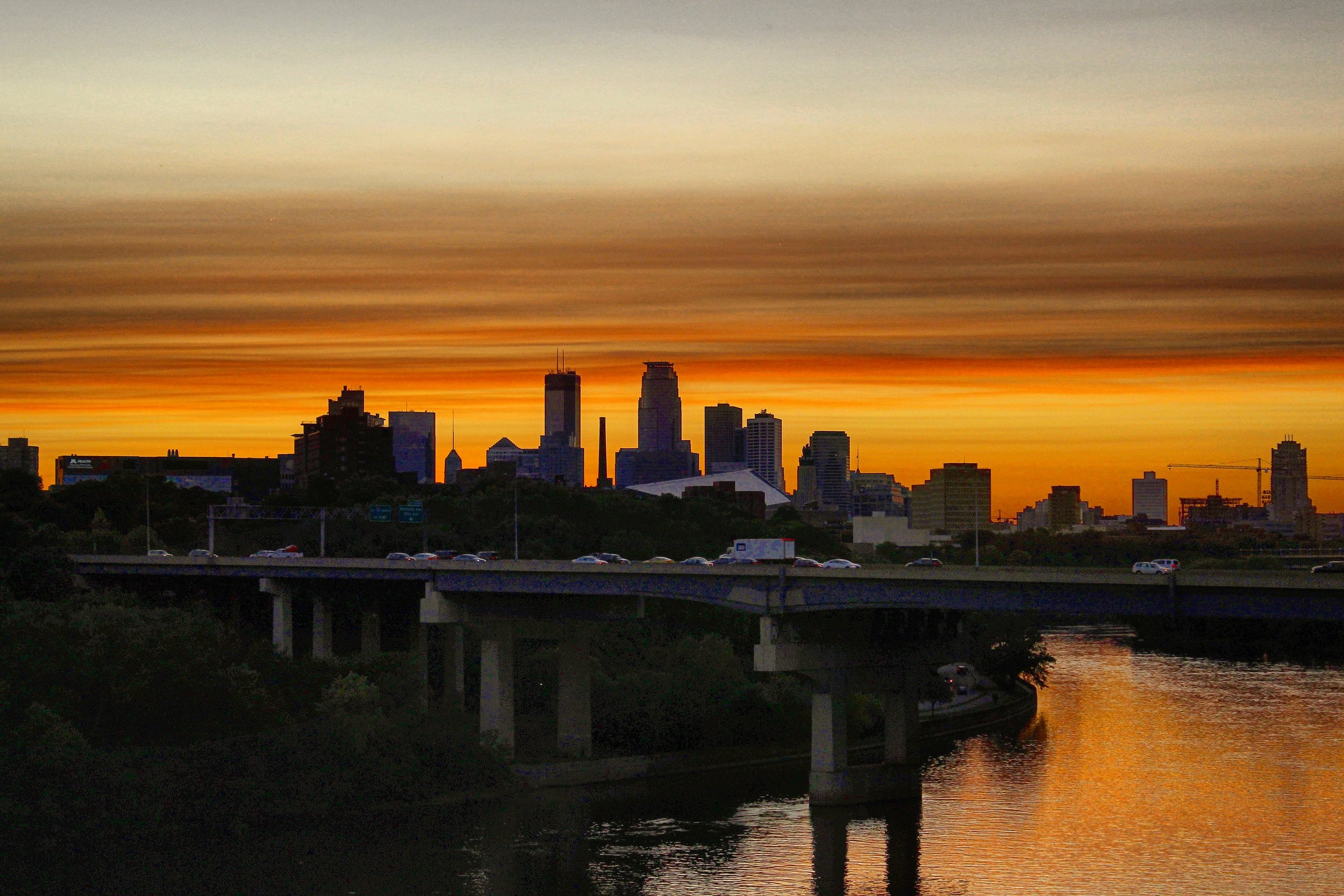Sunset over downtown from the Franklin Ave bridge