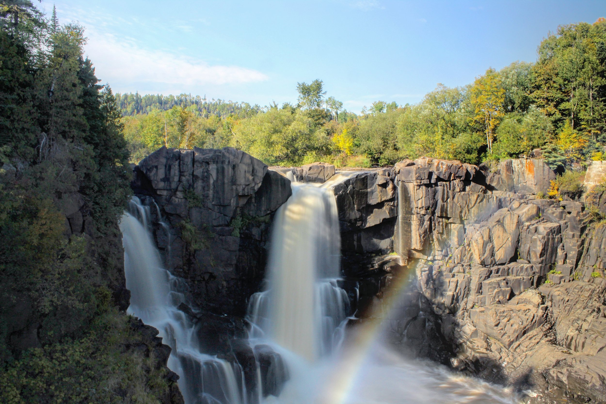 High Falls on the Pigeon River, Canada is on the right.
