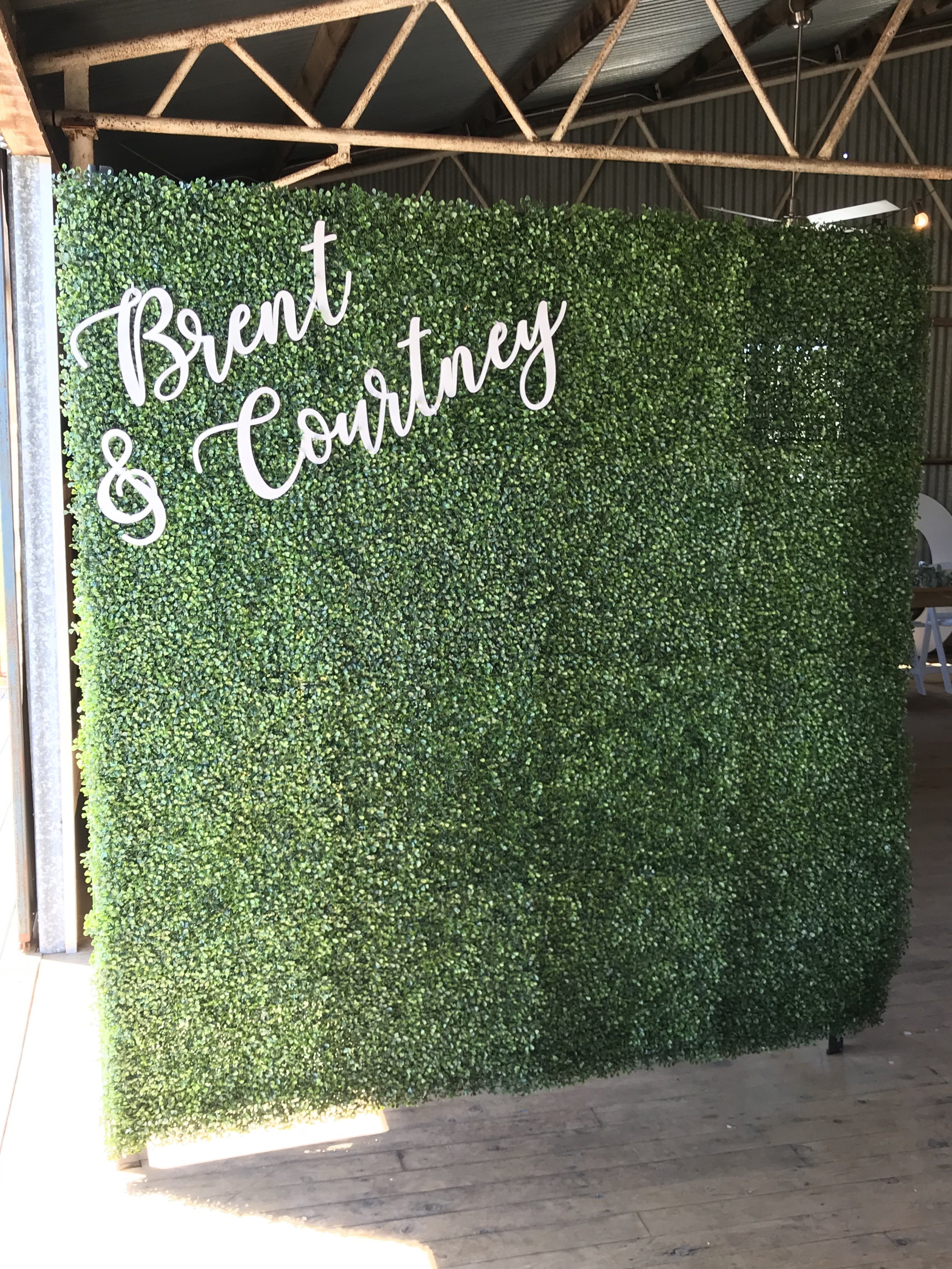 GREEN WALL 2MX2M PLEASE CONTACT ME VIA FACEBOOK BUSINESS PAGE OR EMAIL FOR BOOKINGS. (LOCAL WANGARATTA AREA ONLY)