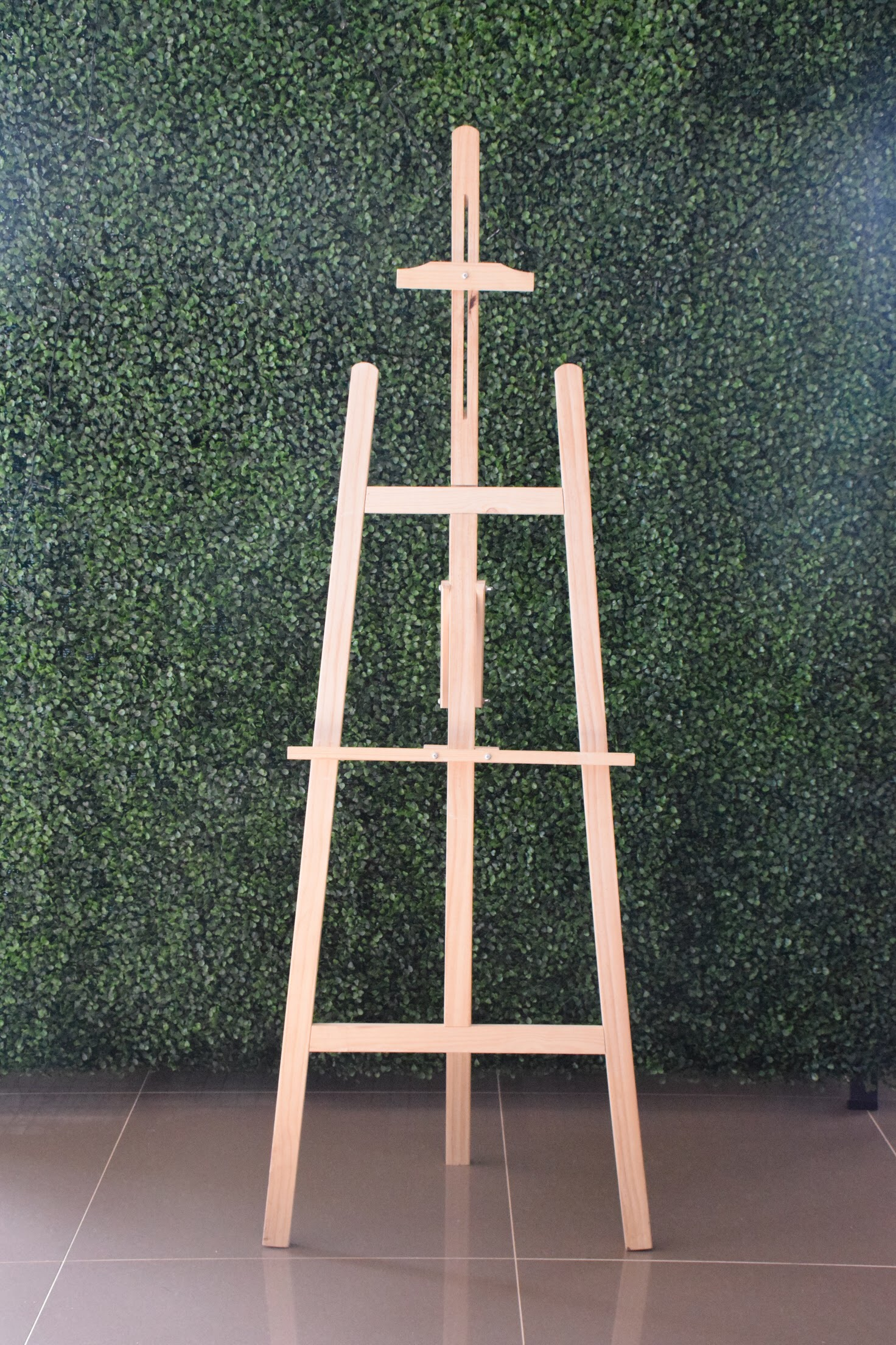 WOODEN EASEL X2. PLEASE CONTACT ME VIA FACEBOOK BUSINESS PAGE OR EMAIL FOR BOOKINGS. (LOCAL WANGARATTA AREA ONLY)