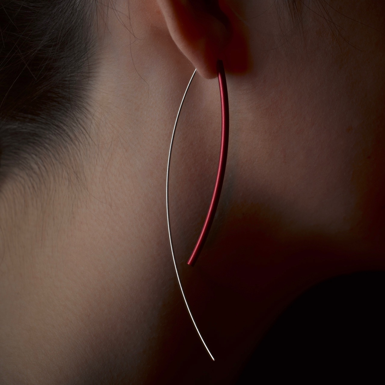 Bold Bird Earrings (red).  Sterling silver and anodised aluminium.            PROD