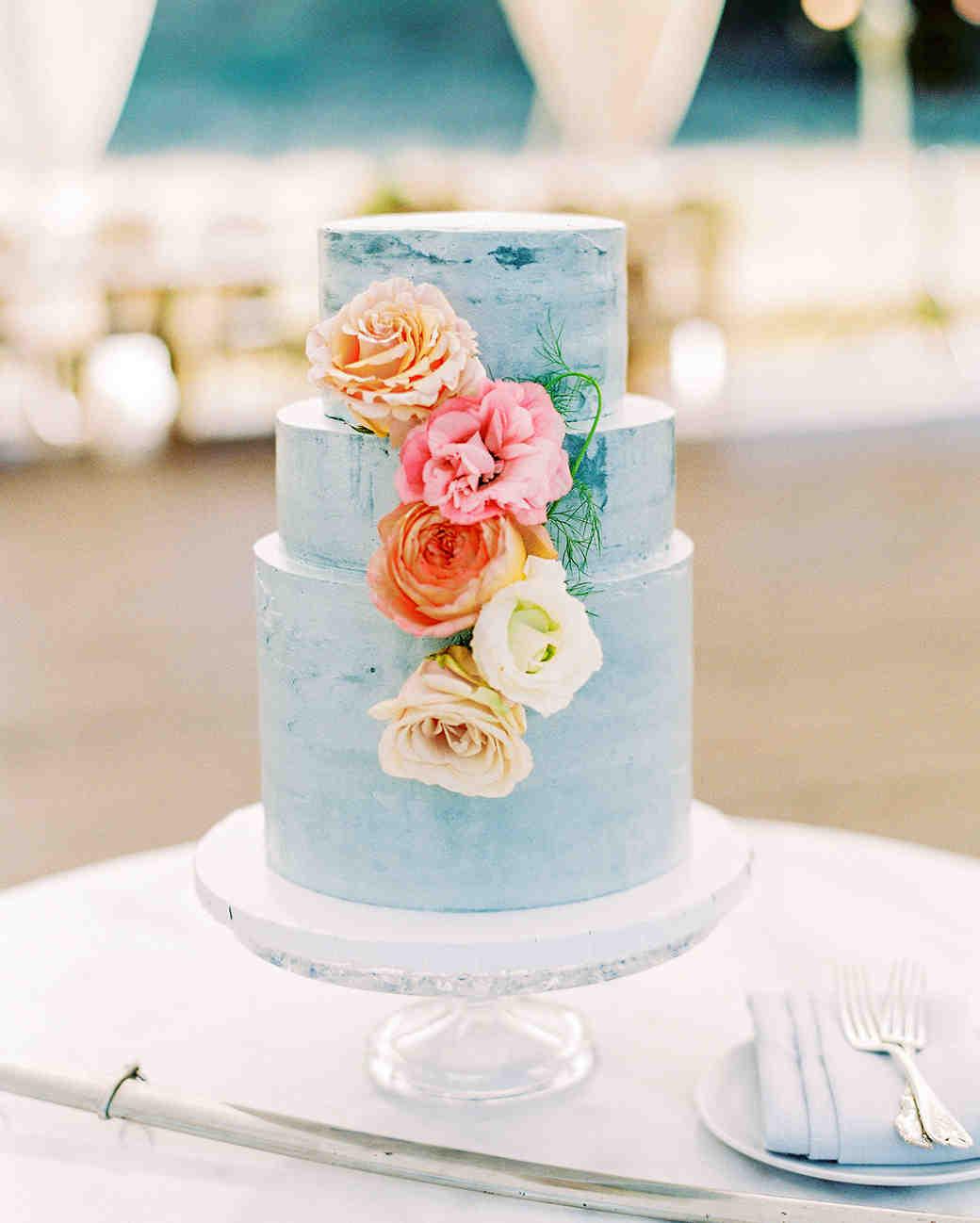 caitlin-amit-wedding-cake-365-6488867-0418_vert copy.jpg