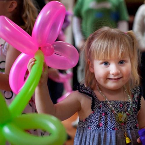 Balloon Flower in Little Kids Party