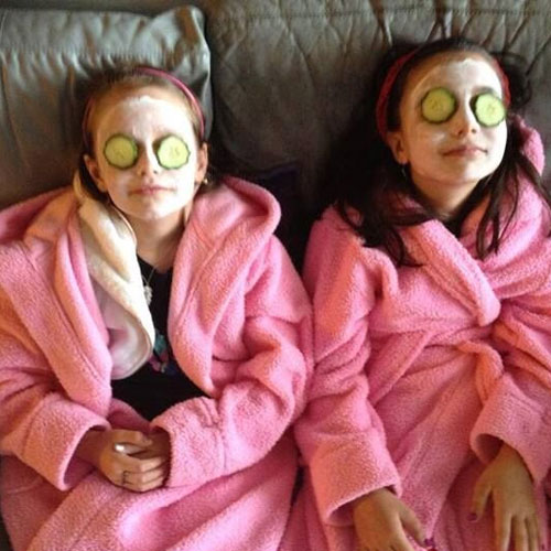 Face Mask Treatment in Pamper Party