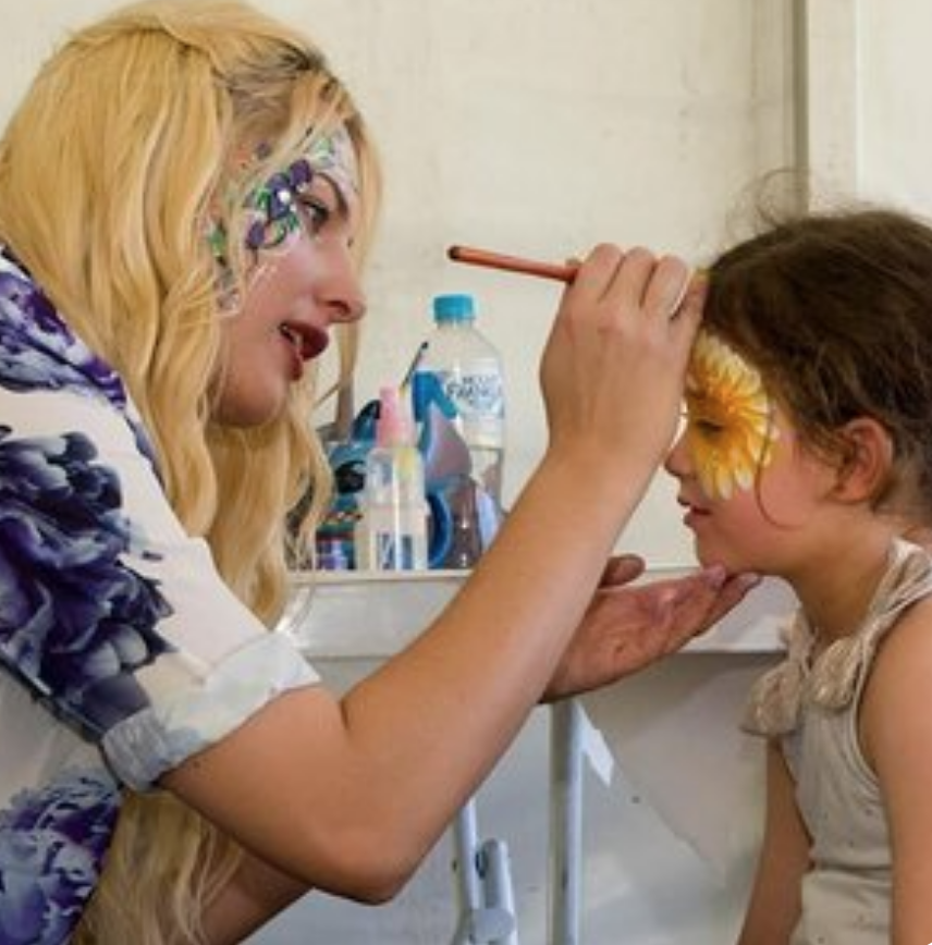 Face Painting andBalloon Twisting -