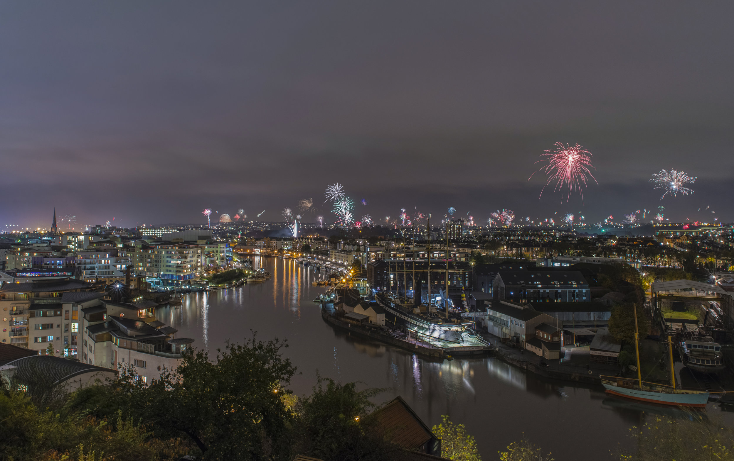 Bristol Harbour Fireworks 2015 final blend_.jpg