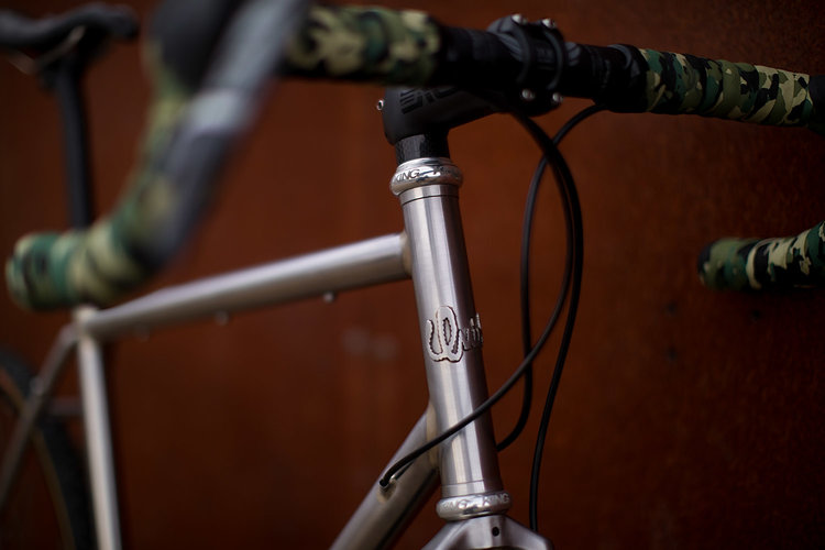 quirk_cycles_alistairs_stainless_bruiser_06.jpg