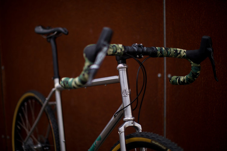 quirk_cycles_alistairs_stainless_bruiser_09.jpg