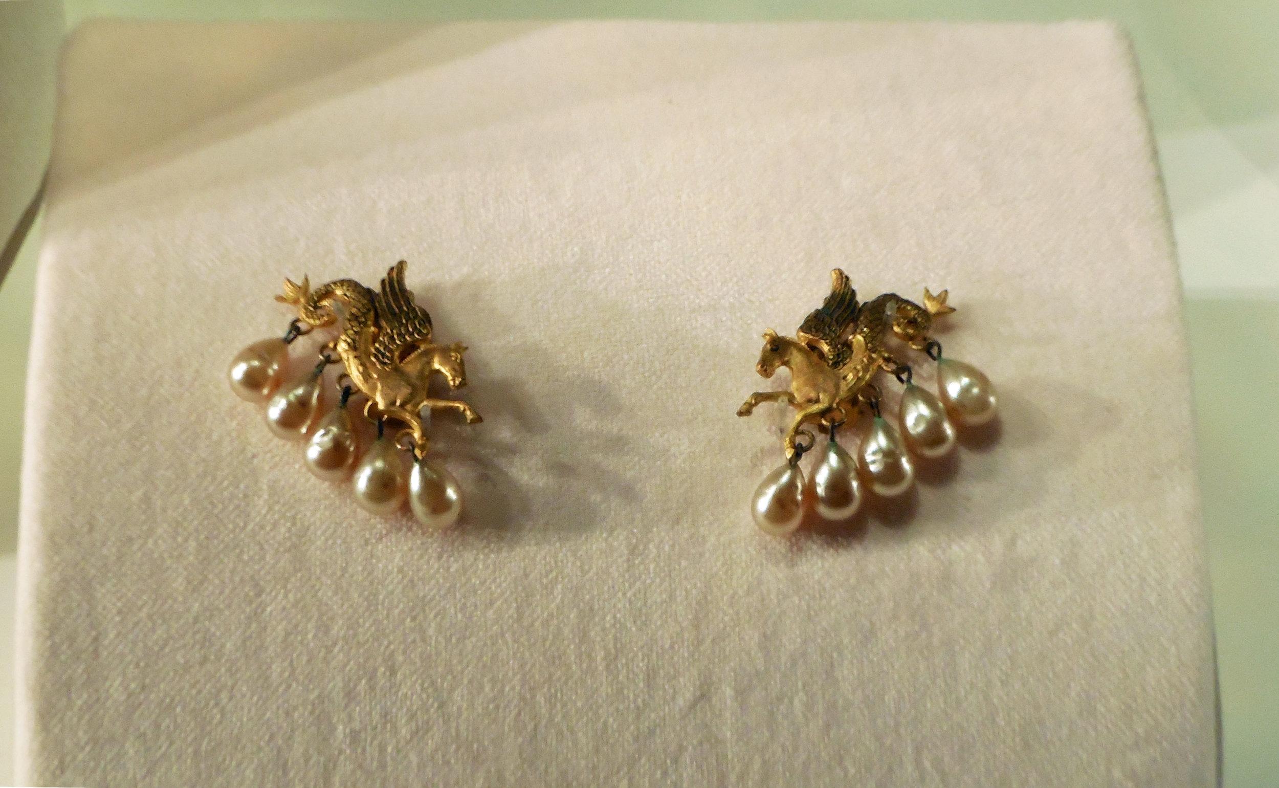 Dior Pegasus Necklace.jpg