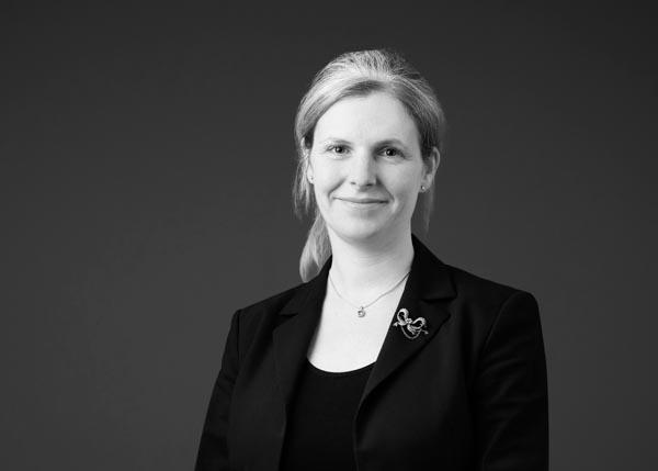Julie Taylor-woman-barrister-francis-burt-chambers-perth