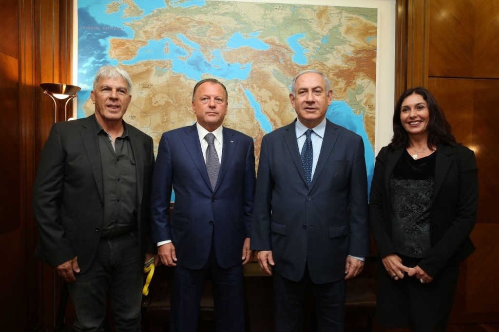 Left to right: Israel Judo Association's Moshe Ponti; International Judo Federation President Marius Vizer; Israeli Prime Minister Benjamin Netanyahu; Israeli Minister of Culture and Sport Miri Regev // photo IJF