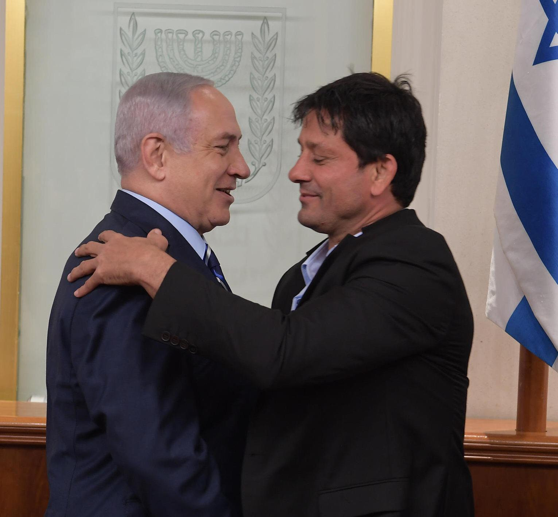 Israeli prime minister Benjamin Netanyahu, left, with Israeli judo coach and 1992 Olympic medalist Oren Smadja // photo courtesy Oren Smadja