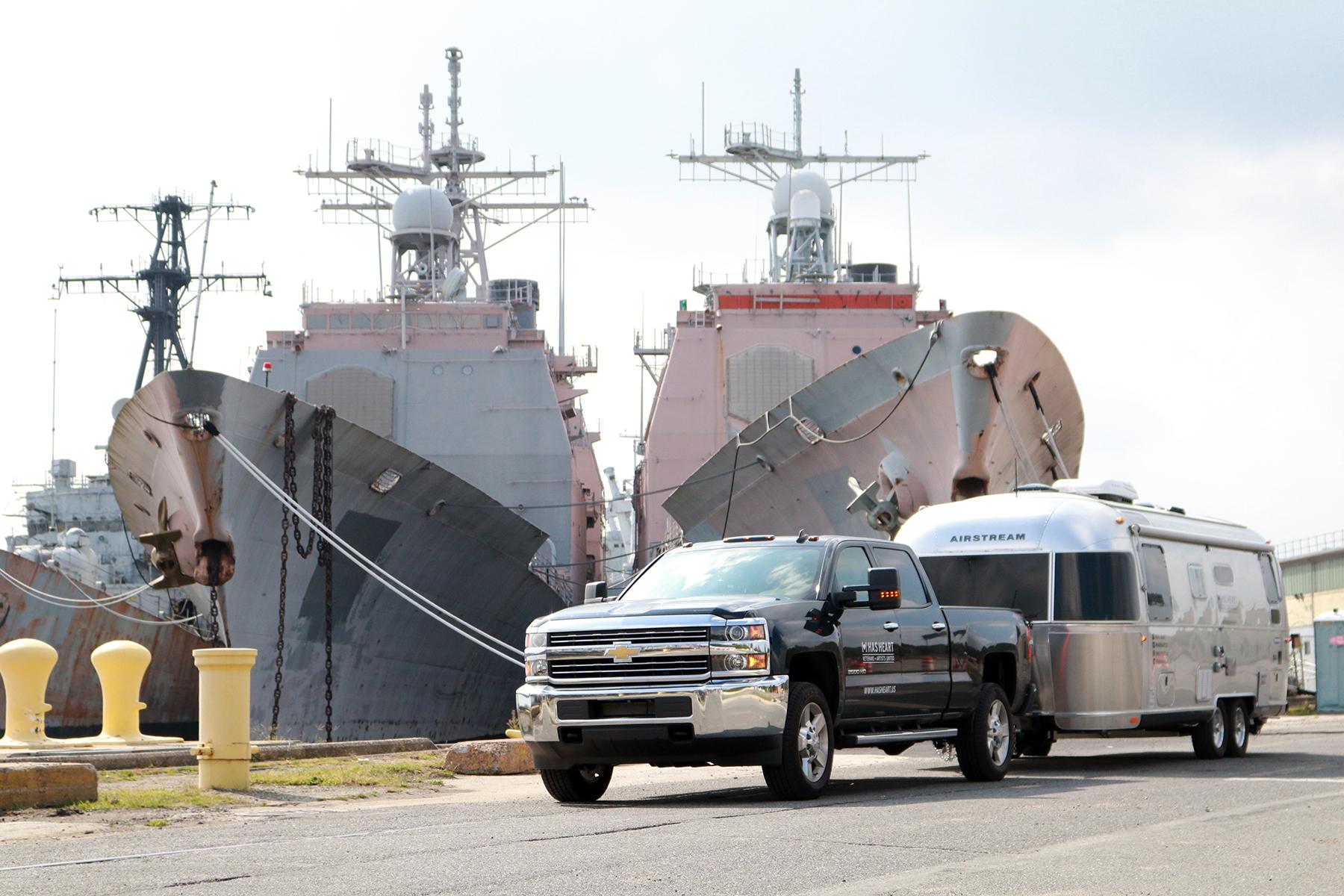 truck+airstream-navyyard05.jpg