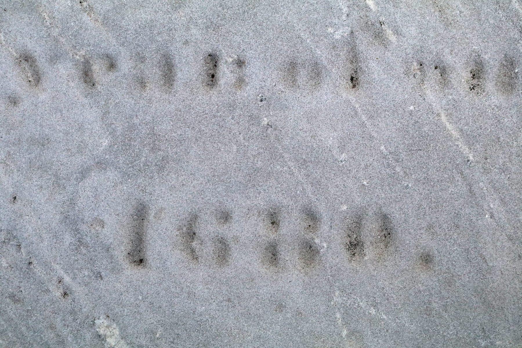 04-MA-journey02-gravesite1680.jpg