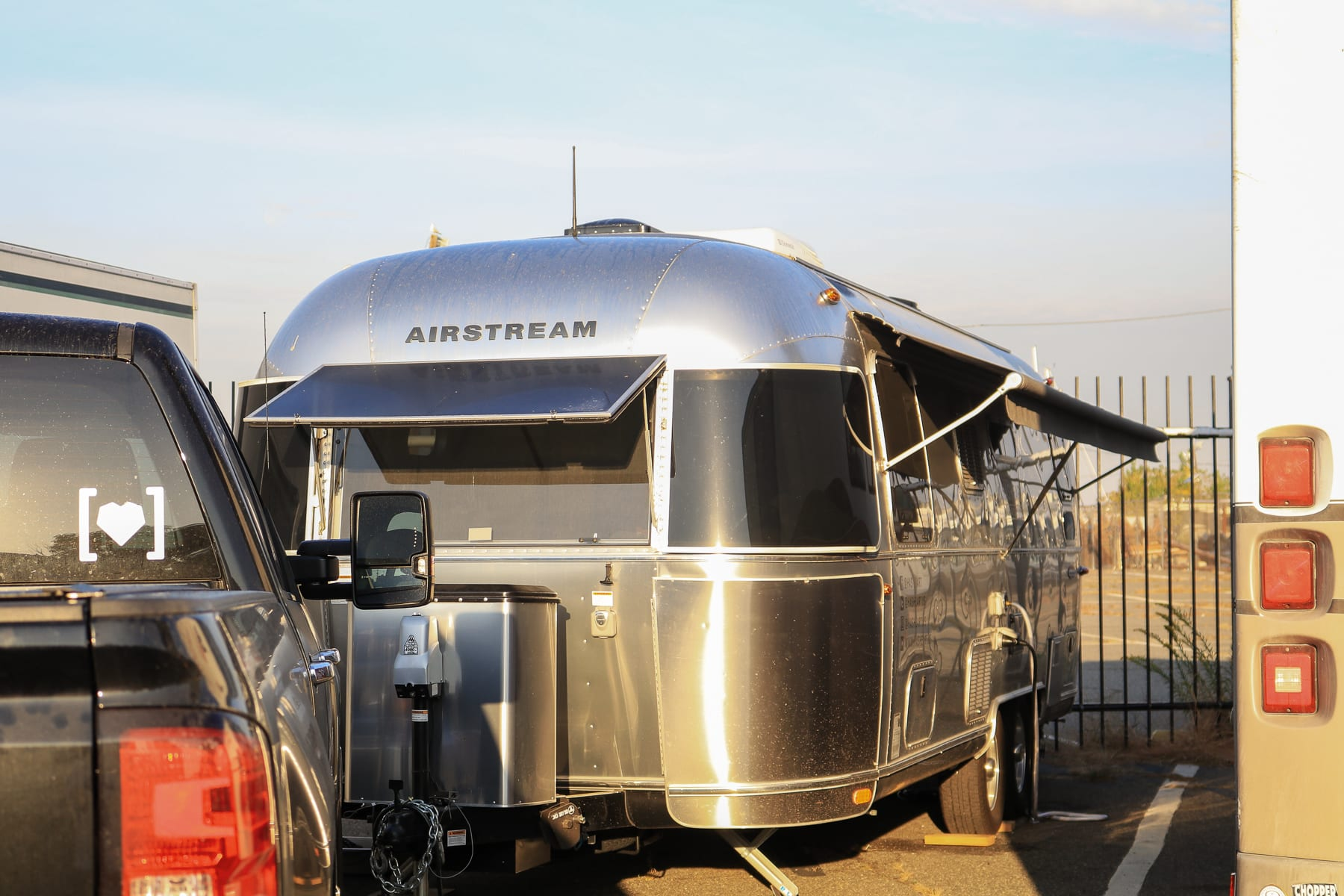 08-NY-journey-airstream-home01.jpg
