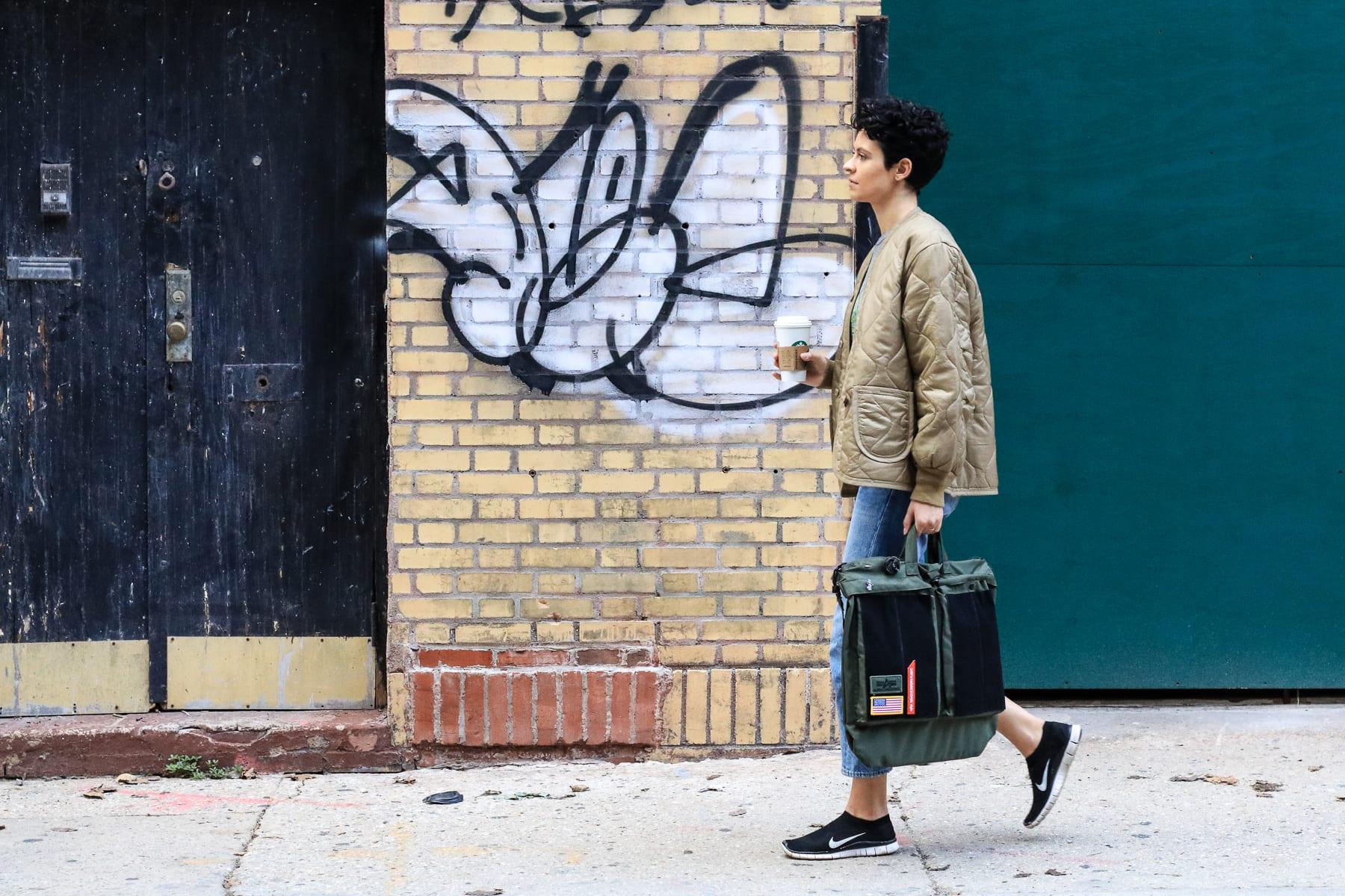 08-NY-journey-citystreet04.jpg
