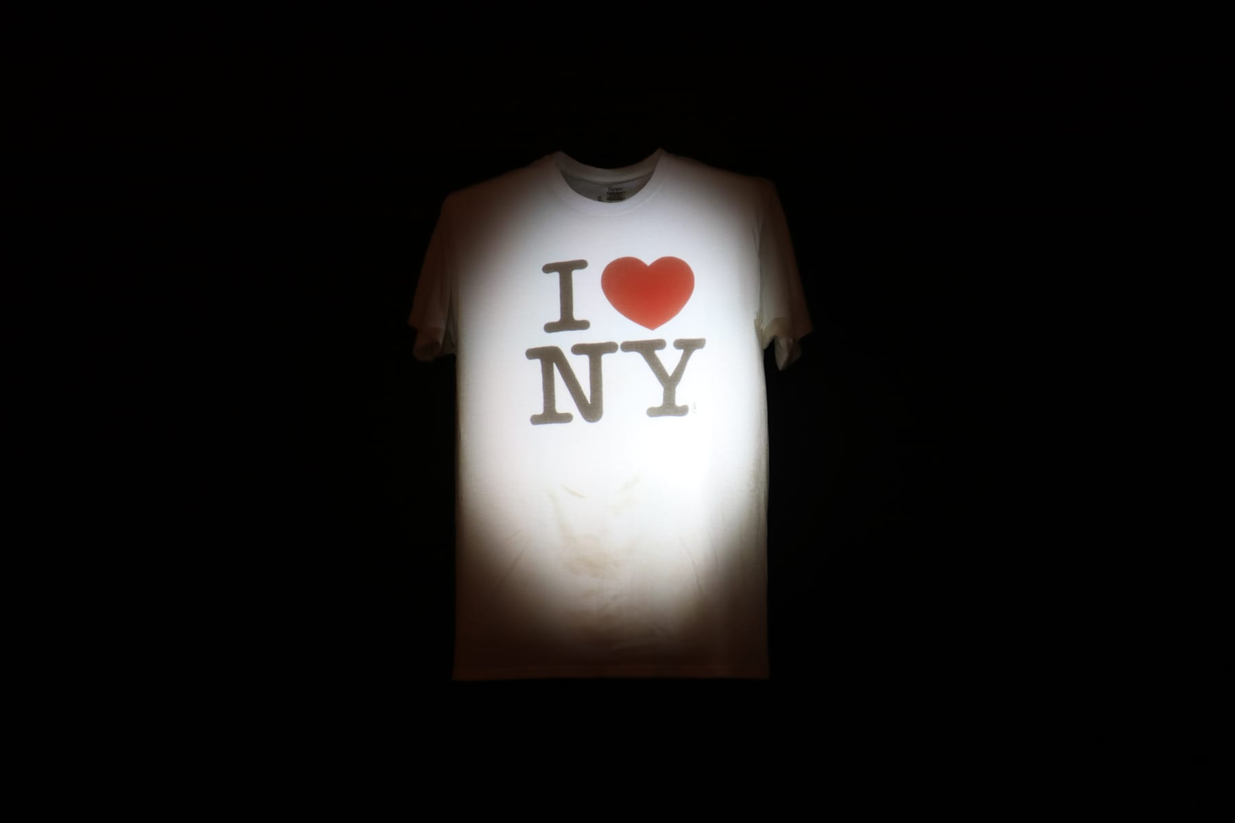 08-NY-journey-artmuseum23-shirts01.jpg