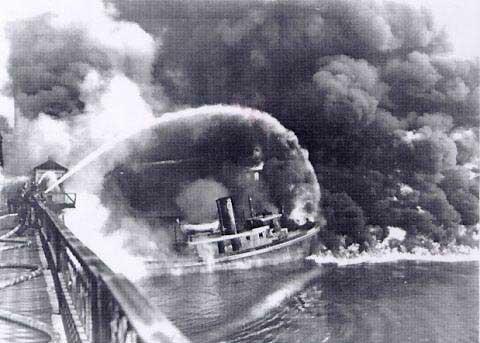 cuyahoga_river_fire_1952.jpg
