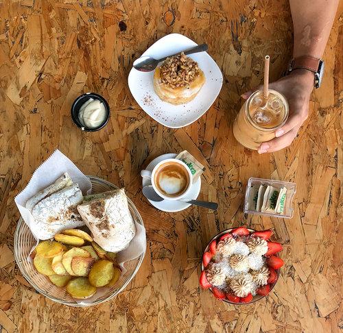 EntreAMIGOS Y CAFÉ - ver más