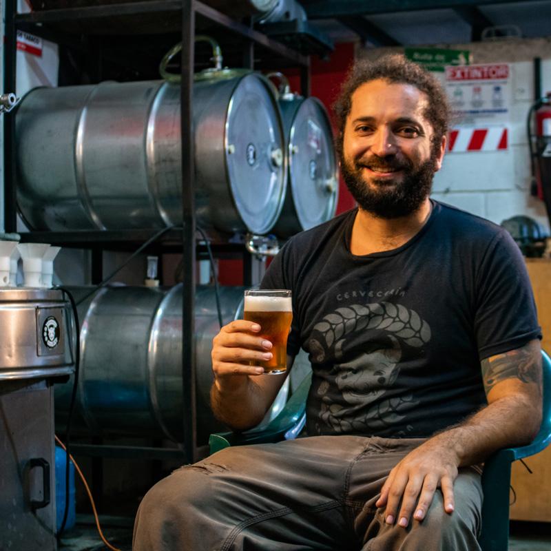 Federico Zamora nos invita a conocer cómo hacen la cerveza en Calle Cimarrona.