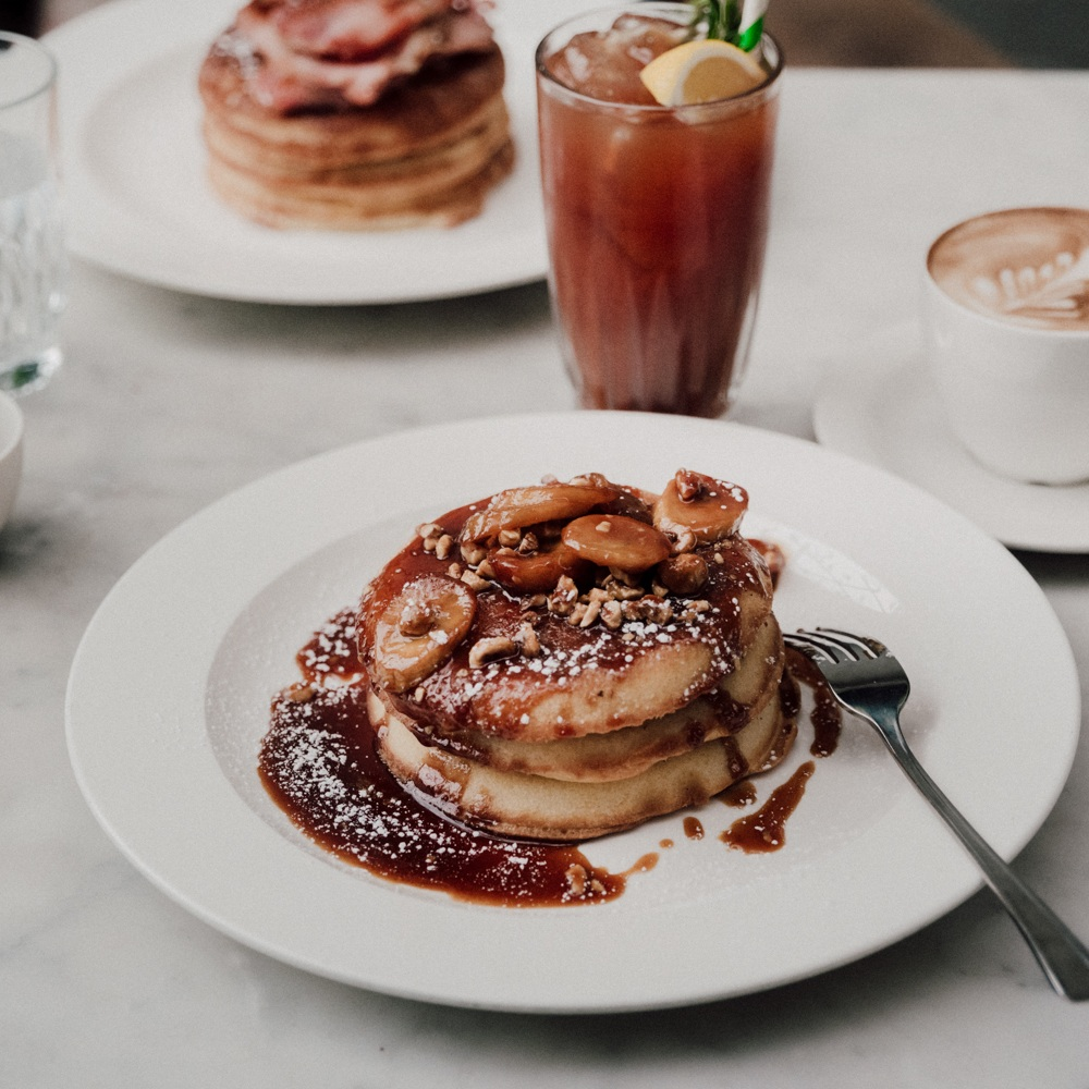 bottomless weekend brunch -
