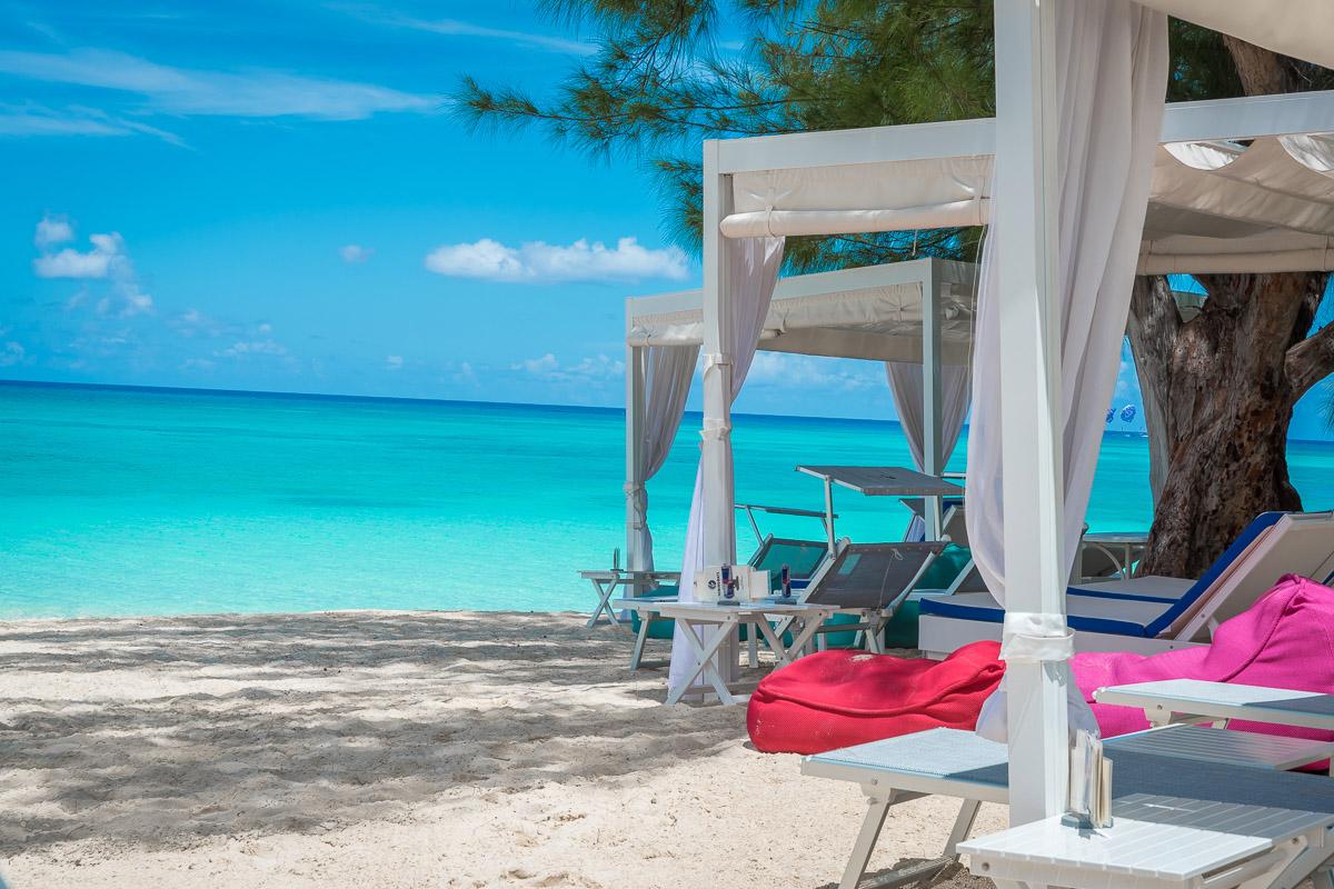 Hemingways_Cayman