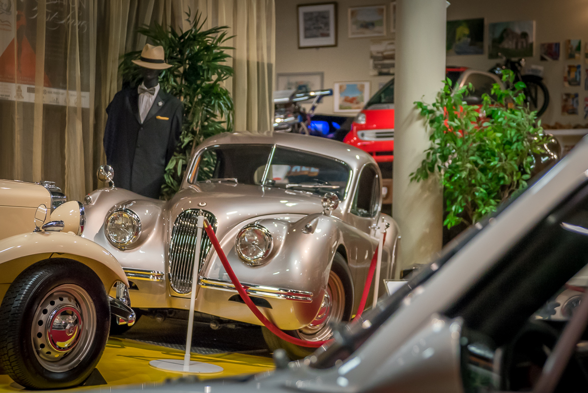 Cayman_Motor_Museum-7.jpg