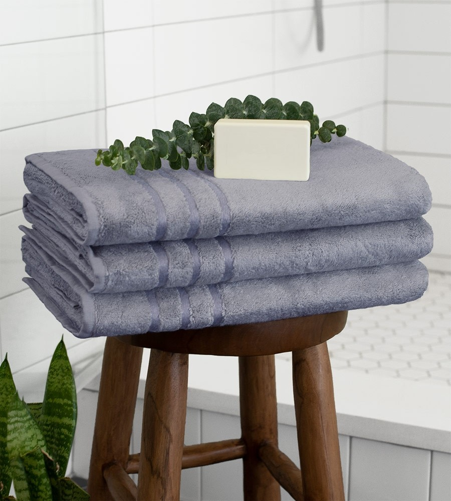 Cariloha_bathtowels_bluelagoon1_1.jpg