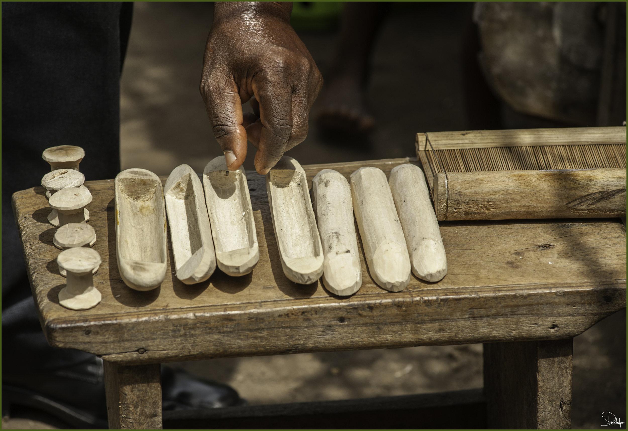 Art of weaving Kente cloth. Photo: Philipe Kradolfer