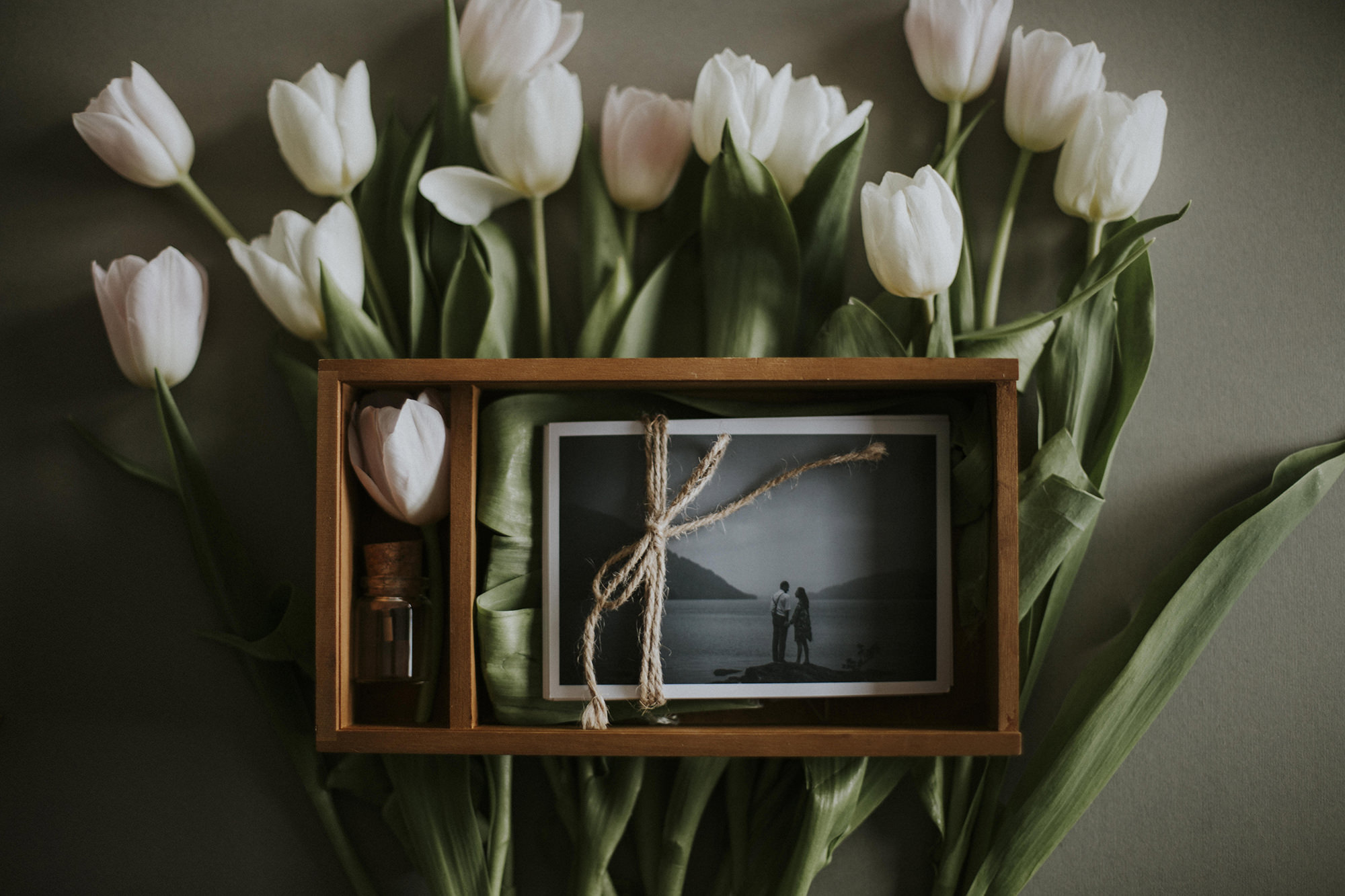 Our WOODEN PRESENTATION BOxes are beautiful keep sakes.Choose 10 of your selected images and we print them alongside your wedding usb to cherish. -