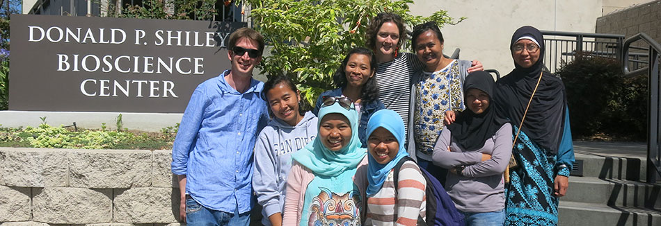Diversity Project students and instructors following a successful short course on biodiversity at San Diego State University.