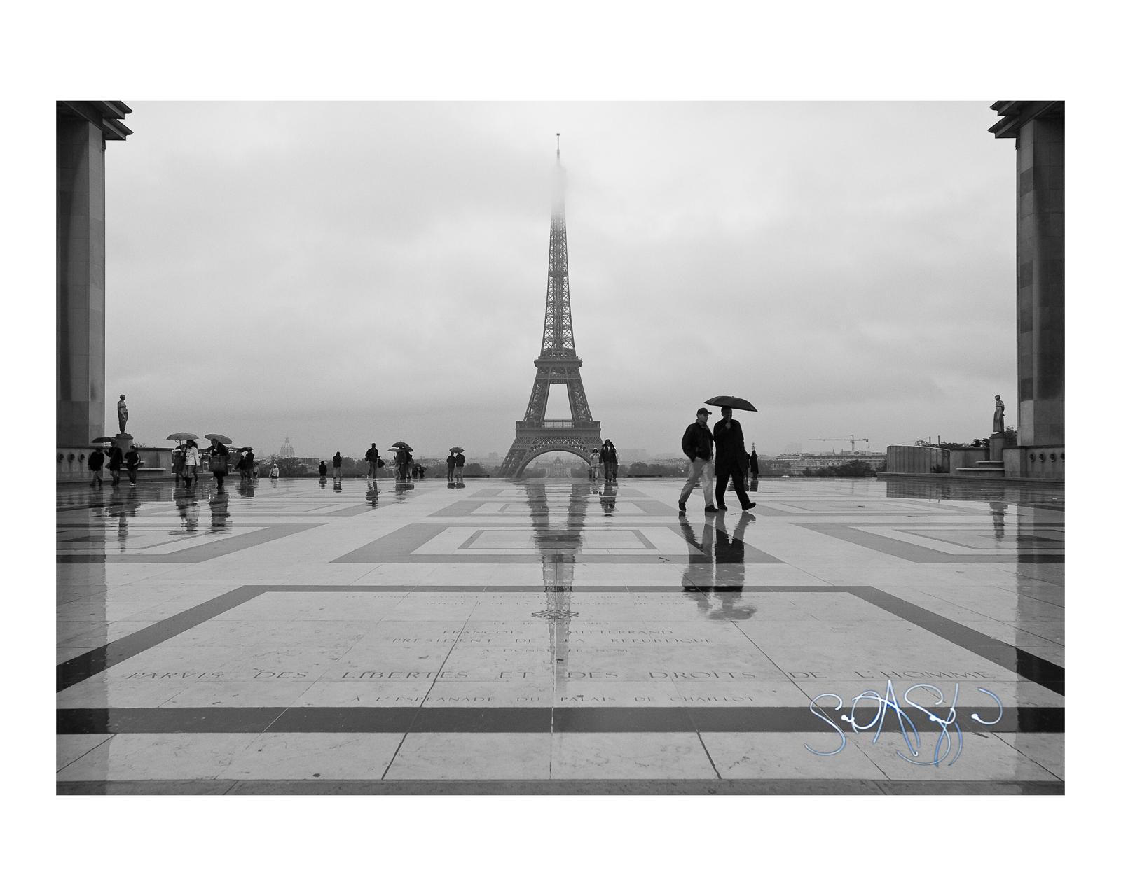 Eiffel Symmetry, Paris 2009