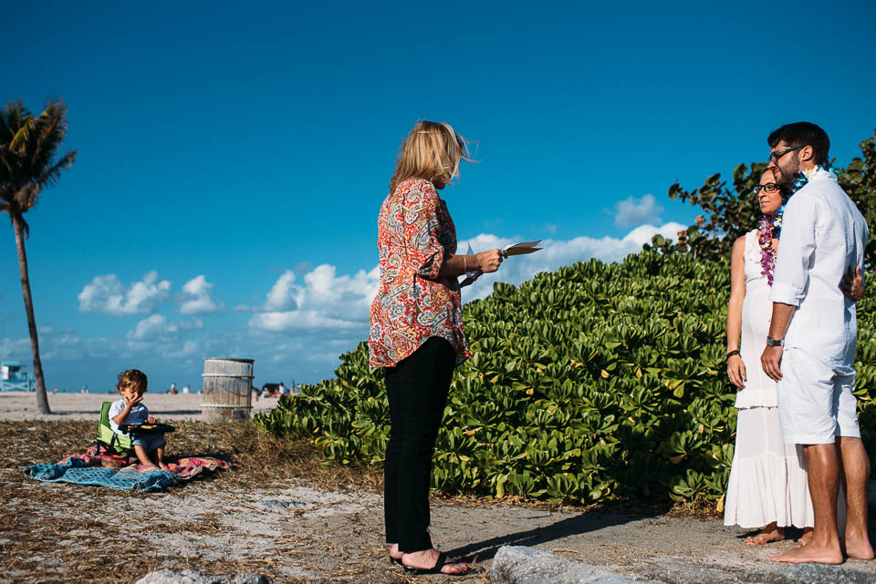 anna-liisa_nixon_photography_documentary_family_photographer_miami_beach_elopment (6 of 24).jpg