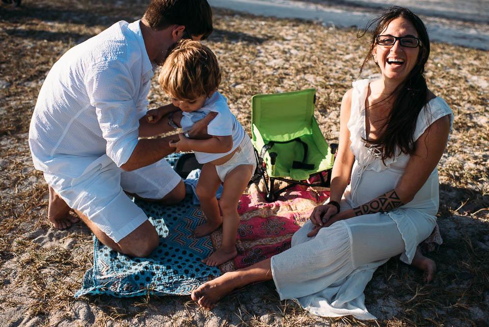 anna-liisa_nixon_photography_documentary_family_photographer_miami_beach_elopment (14 of 24).jpg