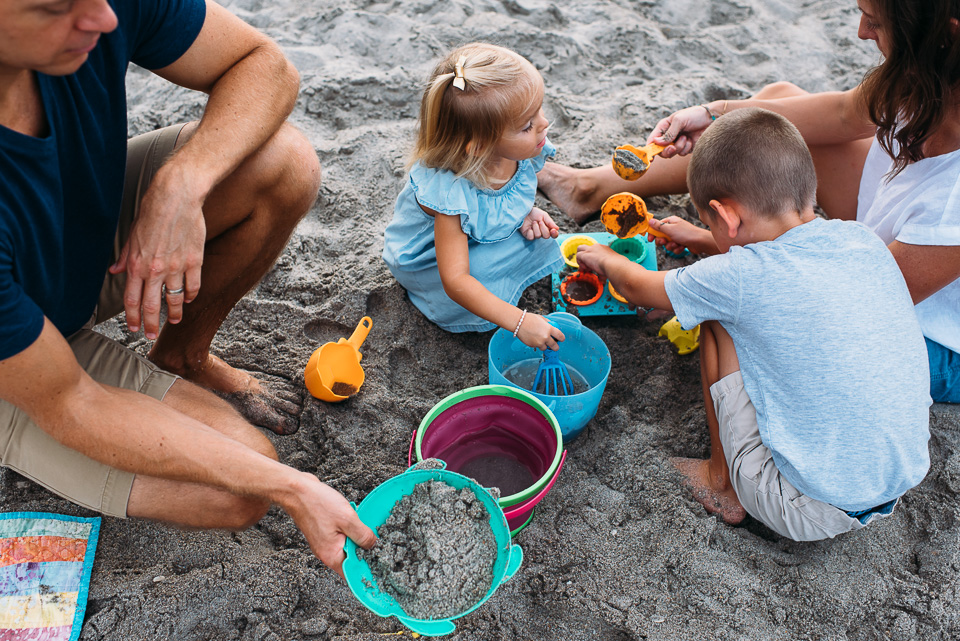 connecticut_family_photographer_beach_session (10 of 33).jpg
