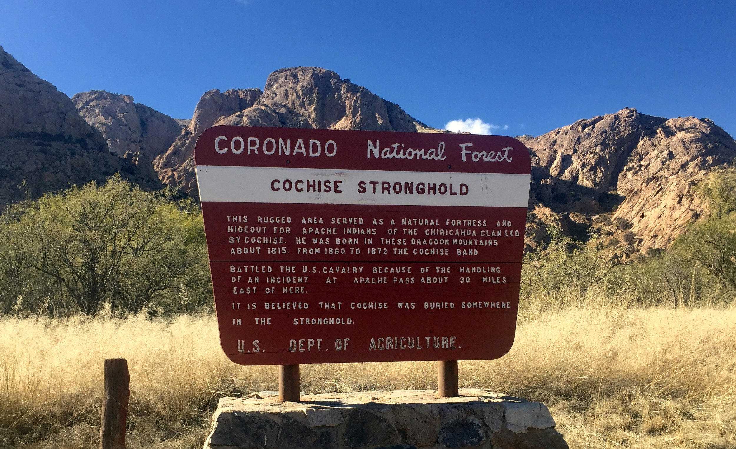 Spend a day exploring Arizona's past in the Dragoon Mountains in the dog-friendly Coronado National Forest. Just walking the short Nature Loop gives any visitor an appreciation for why these granite mountains and canyons were Chiricahua Apache Chief Cochise's favorite stronghold. #McSquareDoodles #dogfriendlytravel #dogfriendlyArizona #doghikes