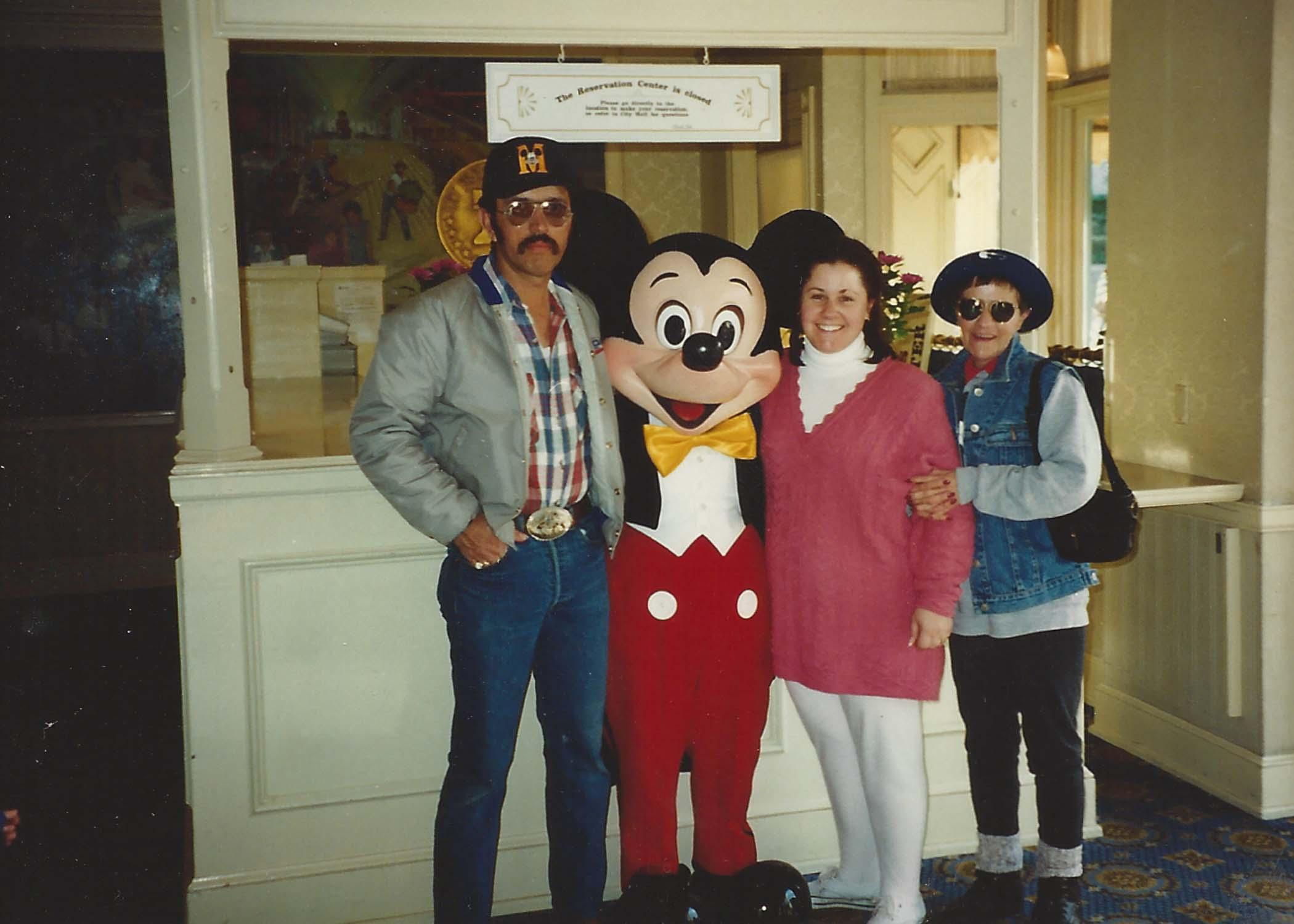 Disneyland-1994.jpg
