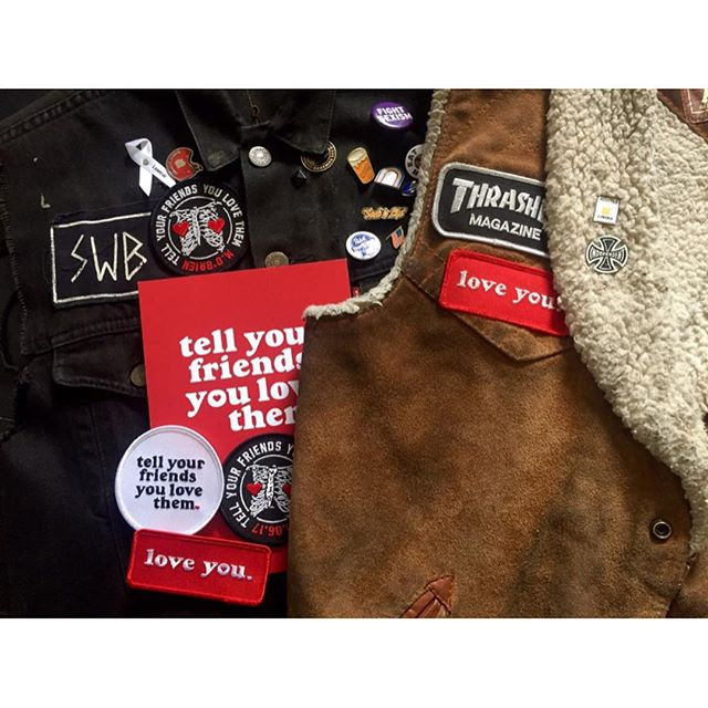 The amazing Sussie, @sammydigs mum herself, is going to be stitching on @younghenrys & @tellyourfriendsyoulovethem patches to your jackets on Friday night at @therochey ❤️❤️❤️❤️ Buy a Tell Your Friends You Love Them patch, we'll throw in a Young Henrys patch and Sussie will work her magic.  How good are mum's!! SEE YOU FRIDAY.