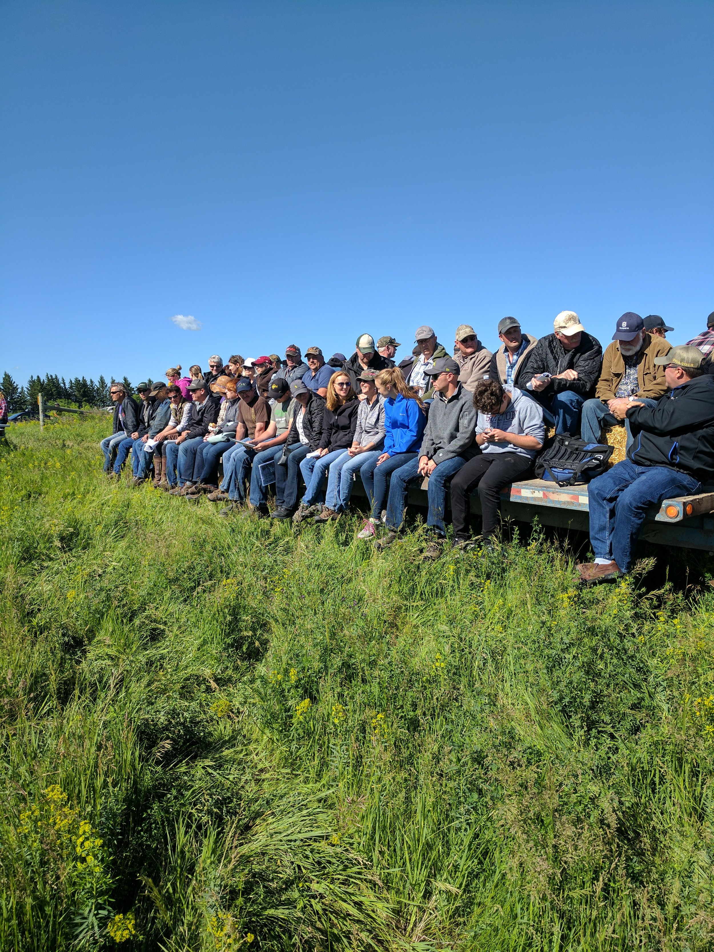 The full wagon at 1st Street Pasture Tour 2017