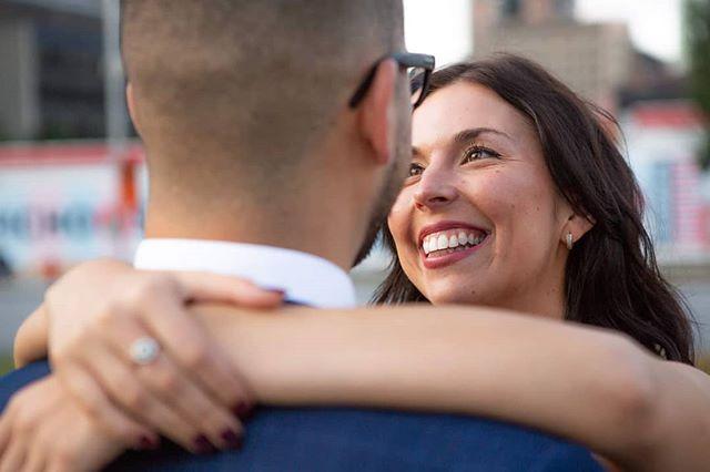 When eyes speak for themselves . . . . . #portrait #chasinglight #couple #engagement