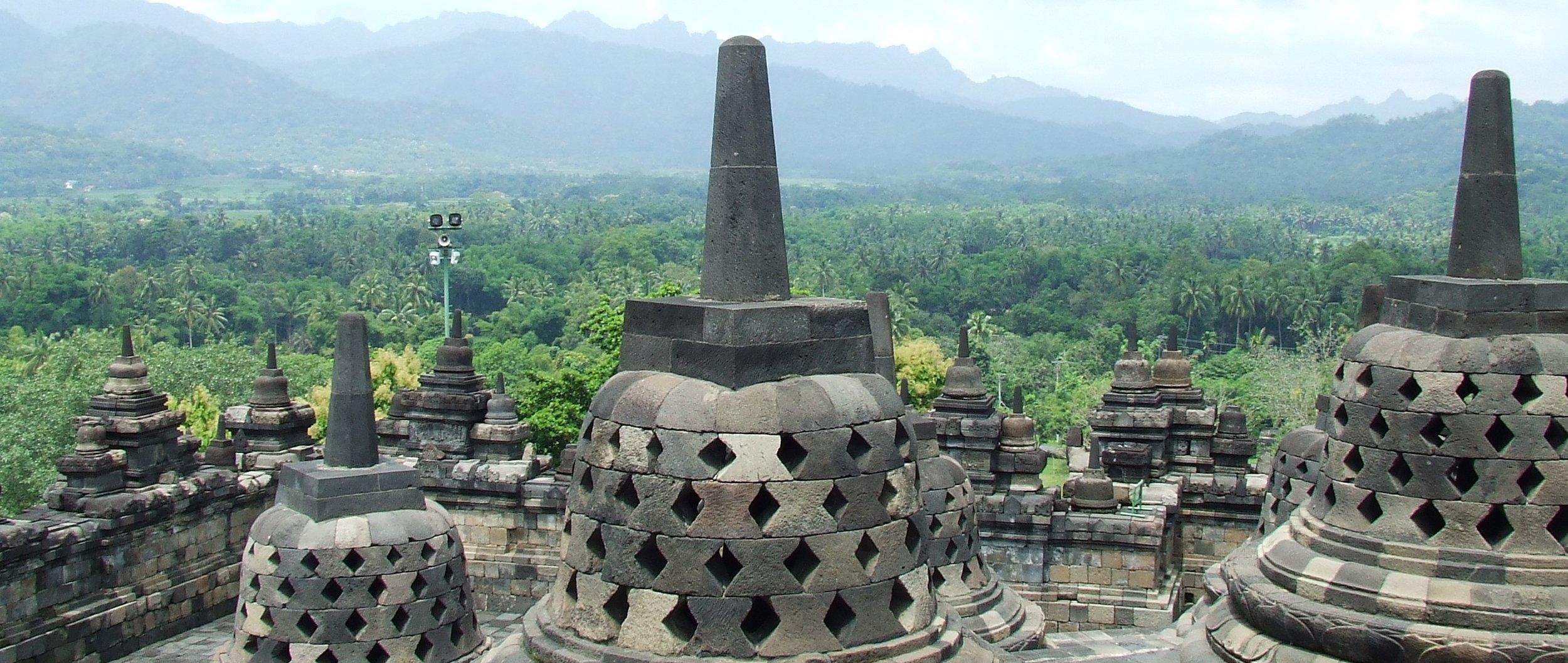 Borobudur_2008.jpg