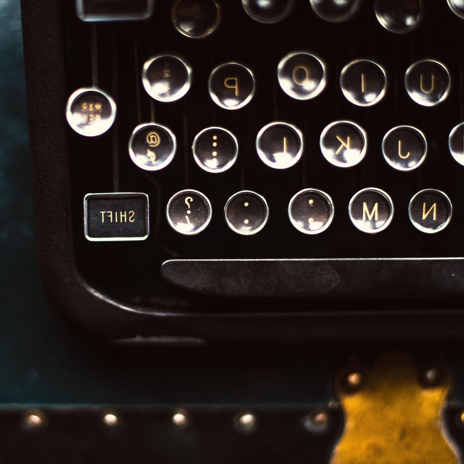 shift-key-on-typewriter.jpg
